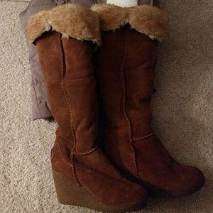Bearpaw fold over boot
